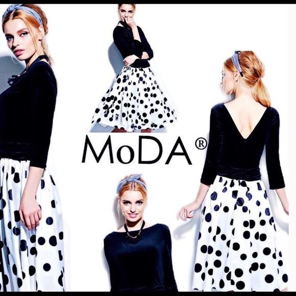 MoDa New York Dresses & Skirts - Deep V Velvet ColorBlock Polka Dot Dress